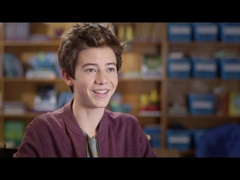 Griffin Gluck  MIDDLE SCHOOL: The Worst Years of My Life 2016 HD