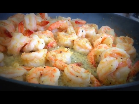 CAMARONES AL AJILLO / Shrimps in garlic sauce