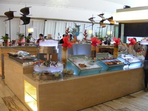 BREAKFAST BUFFET | Check Out Traders Hotel