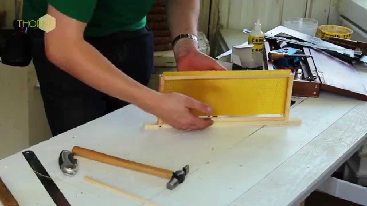 THORNE - NATIONAL BEEHIVE SUPER FRAME - Assembly Instructions - YouTube