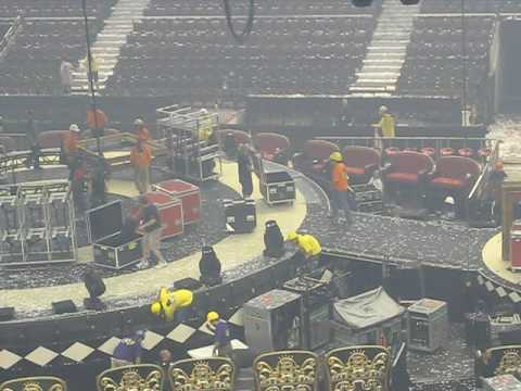 What happens to the stage after Britney's show [Circus tour, Ottawa august 21st]