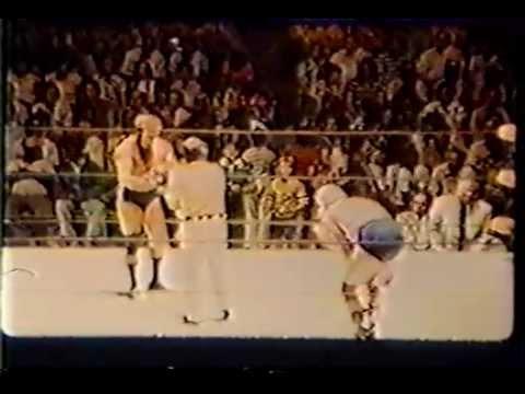 wrestling-cock-buster
