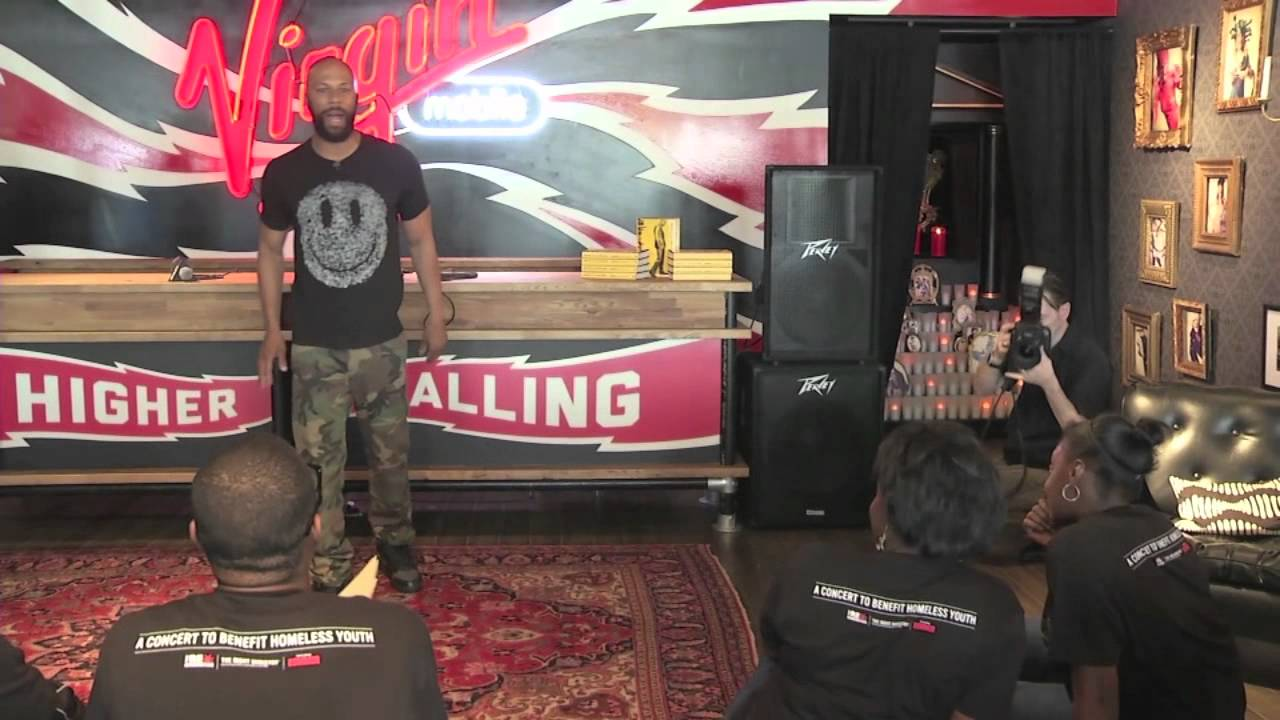 Common freestyle rap at Virgin Mobile store opening in Chicago