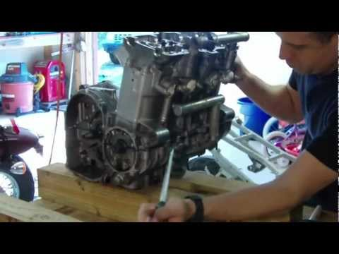 Kawasaki Ninja ZX-6E Restoration, Part 3 (Split the Engine)