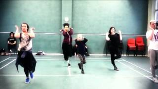 Iggy Azelia - Work Choreography (Chris Clark)