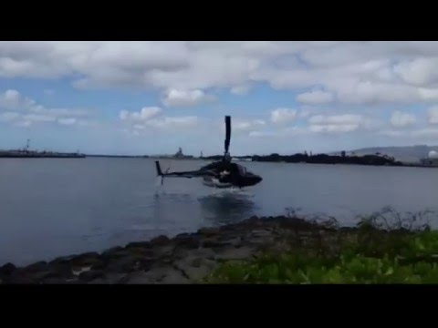 Helicopter crash Pearl Harbor Honolulu Hawaii CAUGHT ON TAPE FULL VIDEO Helicopter crashes Honolulu
