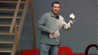 O erro da reta: Edson Athayde at TEDxCascais
