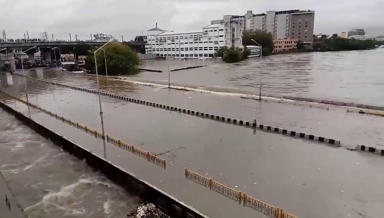 Chennai Flood | Chennai Saidapet Bridge Overflowing ...