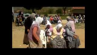 23nisan kadınlar sandalye kapma yarışı