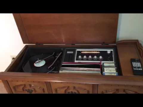 Lot 129: RCA Mark 8 floor-model stereo