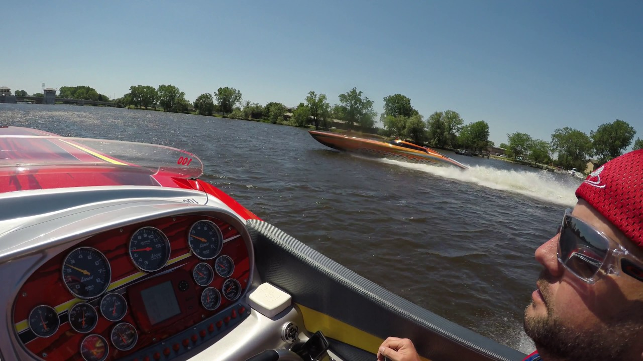 Outerlimits Powerboats SL41 Outboard | TravelerBase | Traveling Tips