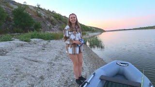ОБОКРАЛИ на рыбалке ПОКА СПАЛИ рыбалка с ЖЕНОЙ сазан на жмых