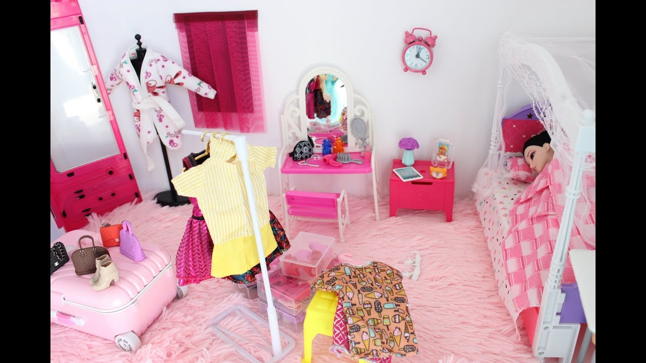 Barbie new pink room dollhouse bedroom going to bed in lingerie