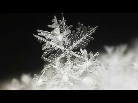 Как появляются снежинки