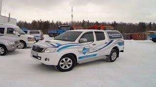"""Пикап Toyota Hilux - помощник в компании """"УралСпецТранс""""."""