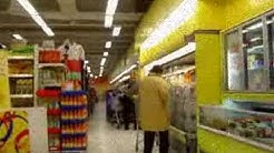 Shopping in a grocery