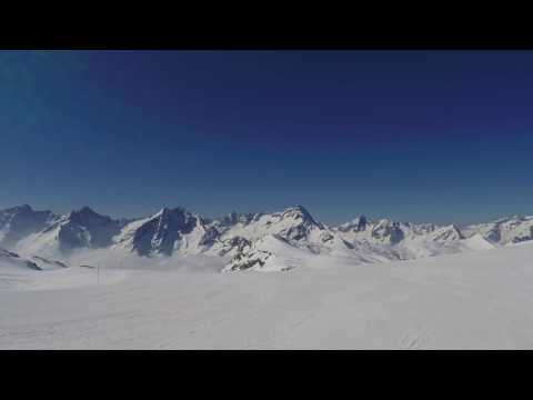Les Deux Alpes - Top to Bottom 1080 60 FPS - Stabilized