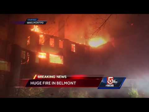 Huge fire breaks out in abandoned building