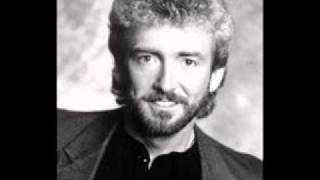 Watch Keith Whitley I Get The Picture video