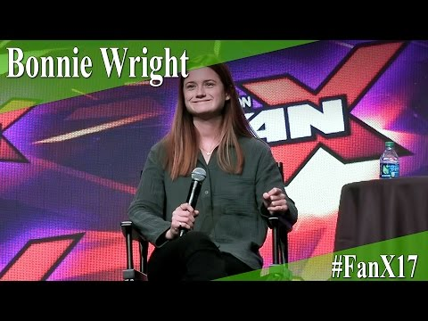Bonnie Wright  Full PanelQ&A  X 2017