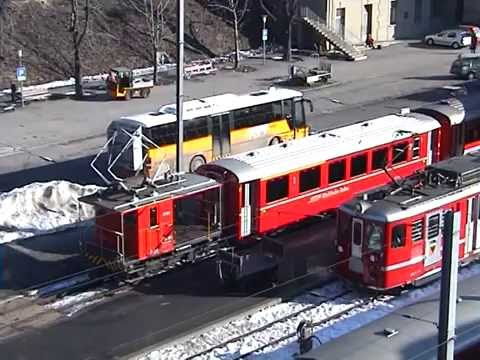 048 Station Bahnhof Brig from filmed from a Balcony - FO BVZ SBB BLS - 2003 OLD BRIG