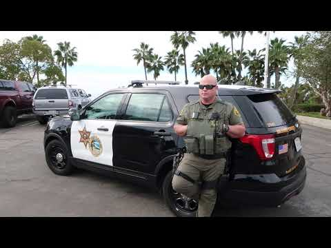 PLAYING MUSIC IN A SHERIFF PATROL CAR SHOULDN'T BE ALLOWED. 1ST AMENDMENT AUDIT