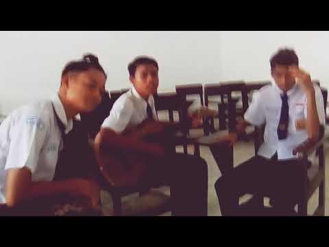 mardua holong nyanyi bareng teman:)
