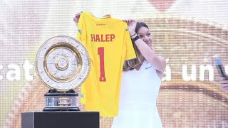 Halep presents Wimbledon trophy to fans in Romania   AFP