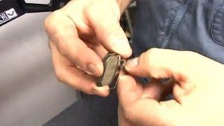 Установка колодок дисковых тормозов(Правильная установка тормозных колодок в дисковые тормоза., 2013-09-06T07:05:21.000Z)