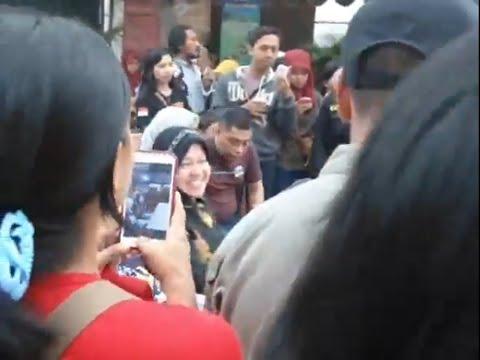 Walikota Surabaya Tri Rismaharani Hadiri Sparkling Surabaya
