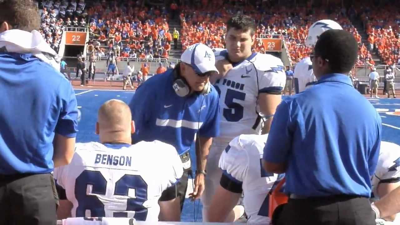Fourth-down stop becomes 'game-changing play' in Boise State's win over Air Force
