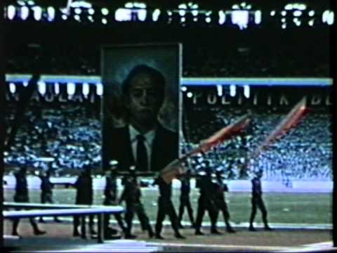 Сукарно в 1965 - President Sukarno in 1965. National and Communist celebrations