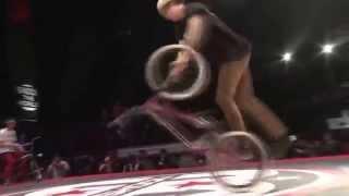 Это шок так невозможно.Видео подборка трюки на велосипедах.Видео на BMX+трюки.(Видео подборка на велосипедах 0:13 0:47 0:59 прыжки спуски фото гонки на велосипедах 1:27 1:34 1:53 Видео подборка..., 2014-10-03T17:43:19.000Z)