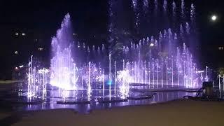 Свето музыкальный фонтан в Калининграде.