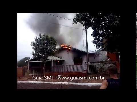 Residência é destruída pelo fogo em Missal