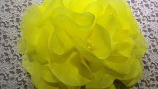 Как сделать цветок из бумаги или ткани (легкий способ) / How to make a flower out of tissue paper(, 2015-11-22T15:26:55.000Z)