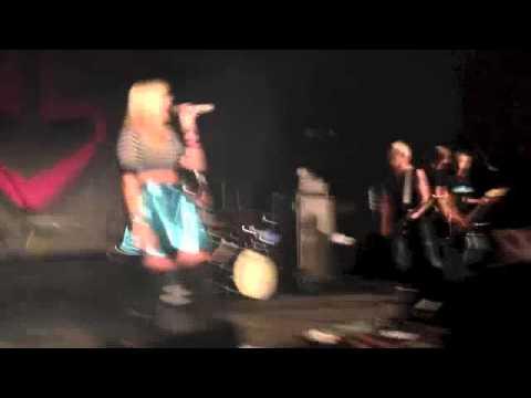 R5 - Shut Up And Let Me Go - Metro Theatre Sydney - 2/8/13
