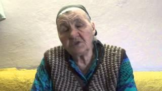 Бабушка рассказывает о 300-летнем дубе в Сеново.