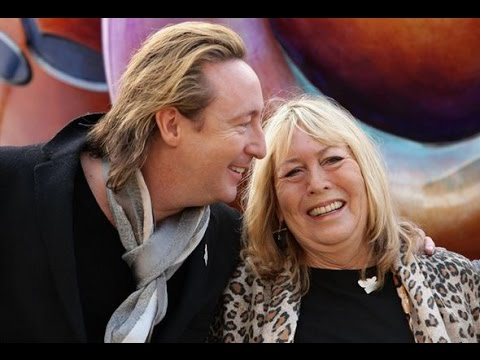Cynthia Lennon, the First Wife, Dies at 75