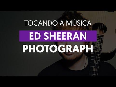Photograph - Ed Sheeran (tocando a música)