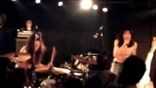 ドラムス 内村耐寒 ◇ヴォーカル チャーリー睡魔ソン 2010年5月27日木曜...