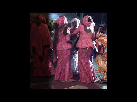 Download Bayana na ciwo Hausa Song