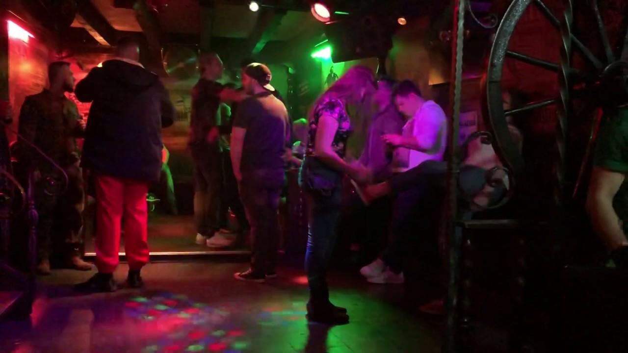 Tanzbär-Geburtstagsfeier Geburtstagsfeier Kostenlose