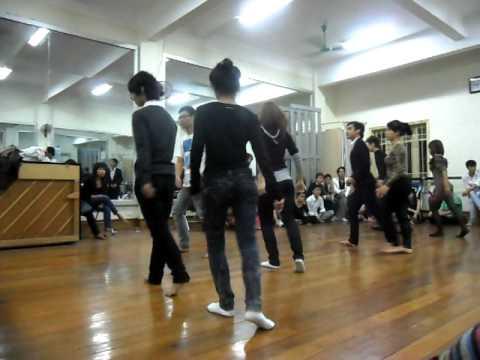Hanoi College of Art...Thi nhảy 2