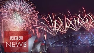 New Year fireworks: New Zealand and Australia shows usher in 2016 - BBC News