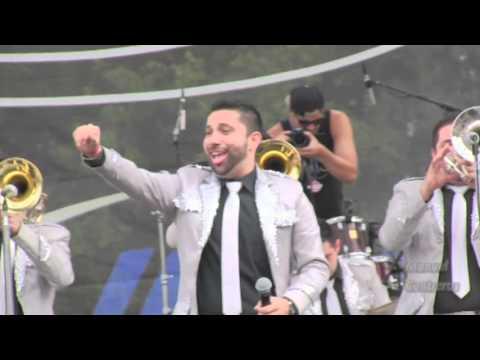 Banda El Recodo-Que te Quiero a Morir En Vivo Festival 5 de Mayo Wittier narrow Park