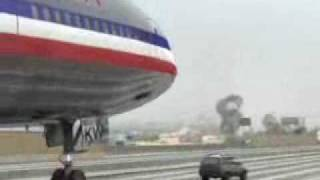 American Airlines airplane crash lands on car OMFG