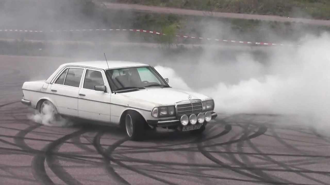Mercedes Turbo Diesel W123 Burnout | FunnyCat TV