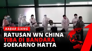 Download Tiba di Indonesia, Penumpang Asal Cina Gunakan Pakaian Hazmat | tvOne