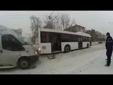 Снова ДТП с новым автобусом. Чебоксары. Снова метёт.